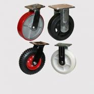 Большегрузная серия колесных опор: полиуретановый контактный слой, литая черная резина, нейлоновый контактный слой, литая протекторная резина.